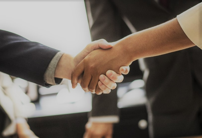 Réseaux sociaux : Les entreprises vérifient les profils de leurs employés potentiels